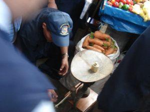 Para prevenir delitos realizan operativo en mercados
