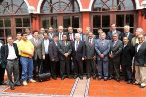 Foto de los Presidentes Regionales luego de reunión en la ciudad de Trujillo. Foto: ANDINA/Norman Córdova.